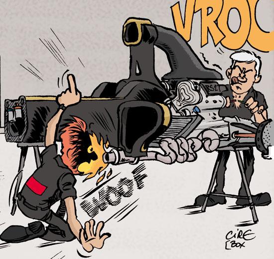 механики Lotus заводят мотор на новом болиде - комикс Cirebox