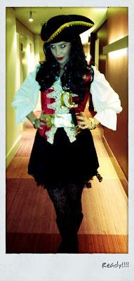 Изабель Дорин в костюме пирата Карибского моря