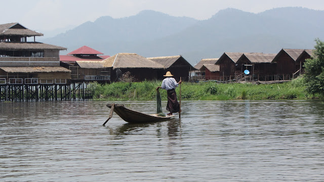 Rowing, Inle Style.