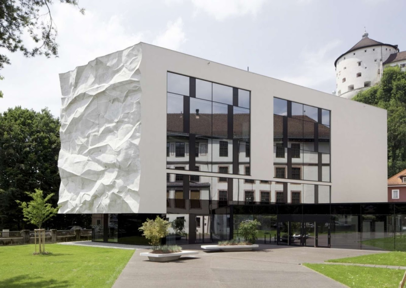 School Extension with Crinkled Wall by Johannes Wiesflecker