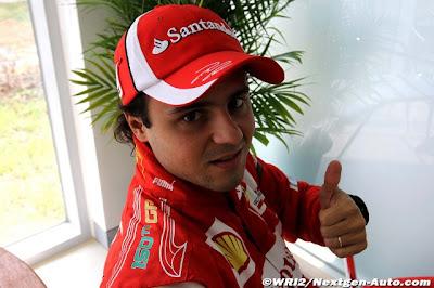 надпись на комбинезоне Фелипе Массы в честь своего 150-ого Гран-при Формулы-1
