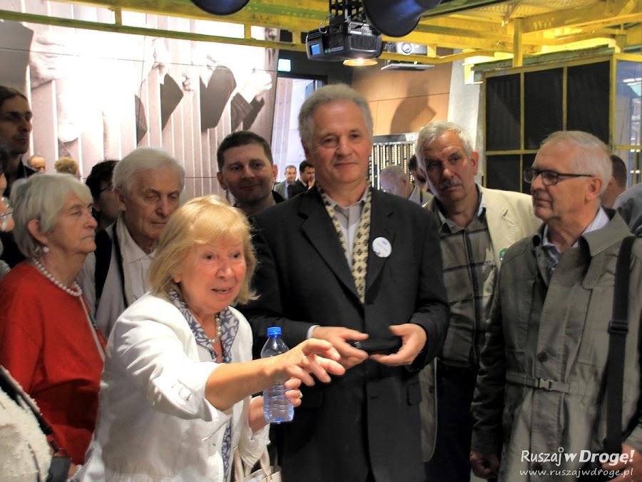 Otwarcie Europejskiego Centrum Solidarności w Gdańsku - zwiedzanie ze Zbigniewem Bujakiem
