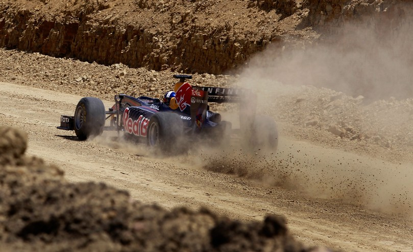 Дэвид Култхард на Red Bull во втором повороте Трассы Америки в Остине