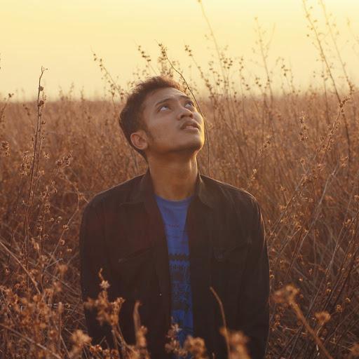 Download Gratis Lagu Meraih Bintang Via Palent: Habib Syech Abdul Qodir Assegaff