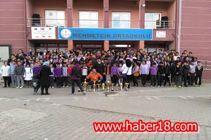 Mehmet�ik Ortaokulu Kupa B�rakmad�