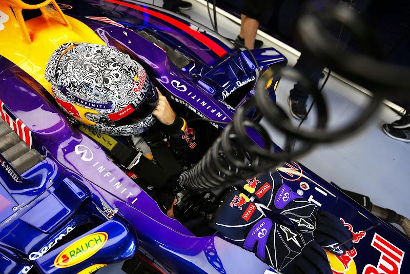Себастьян Феттель в болиде Red Bull на Гран-при Италии 2014