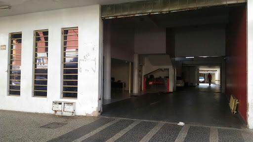 Mineira Auto Vidros, R. 68, 512 - St. Central, Goiânia - GO, 74230-100, Brasil, Reparacao_e_Manutencao_de_Automoveis, estado Goias
