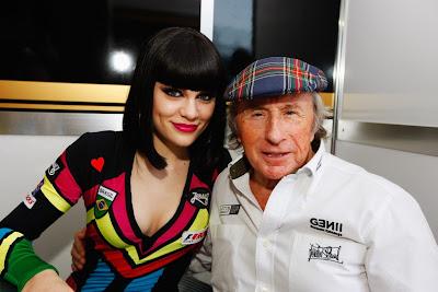 Jessie J и Джеки Стюарт на Гран-при Бразилии 2011