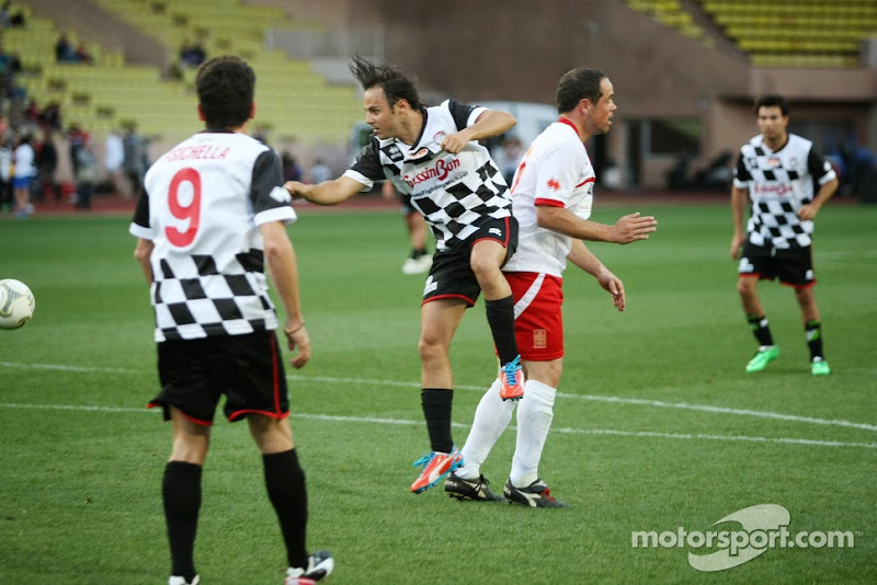 Фелипе Масса на благотворительном футбольном матче перед Гран-при Монако 2014