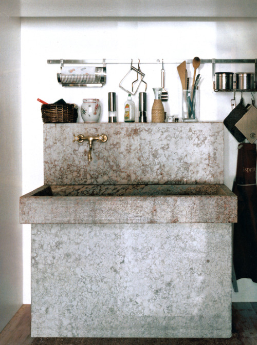 concrete sink.jpg