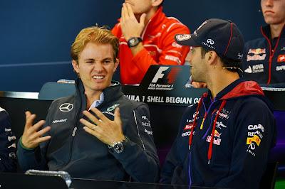 Нико Росберг и Даниэль Риккардо на пресс-конференции в четверг на Гран-при Бельгии 2014