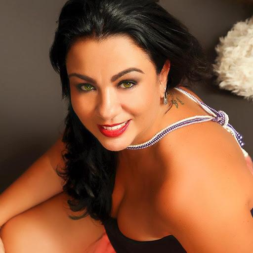 Cristina Rinaldi Nude Photos 22