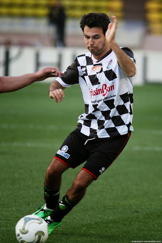 Серхио Перес на благотворительном футбольном матче перед Гран-при Монако 2014