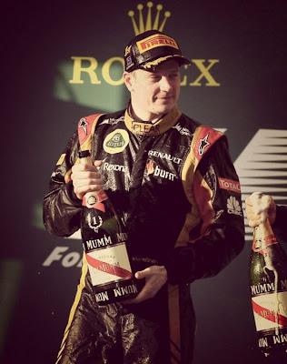 Кими Райкконен с короной Rolex на подиуме Гран-при Австралии 2013
