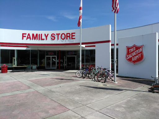 Thrift Store «The Salvation Army Family Store and Donation Drop-Off Location», reviews and photos