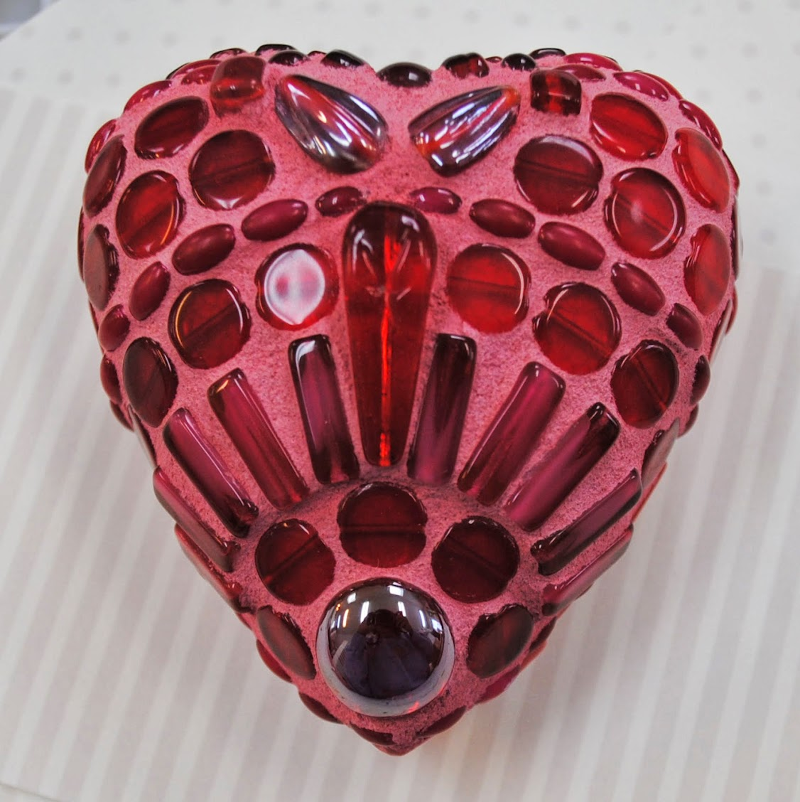 Ruby Red Mosaic Heart MOO5086