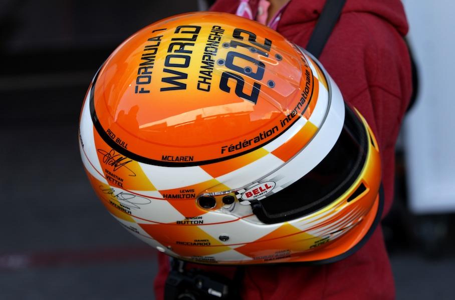 шлем для автографов на Гран-при США 2012