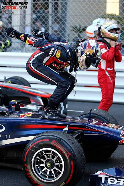 Себастьян Феттель на болиде Red Bull после победы на Гран-при Монако 2011