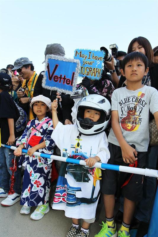 маленький болельщик Себастьяна Феттеля на Гран-при Японии 2012