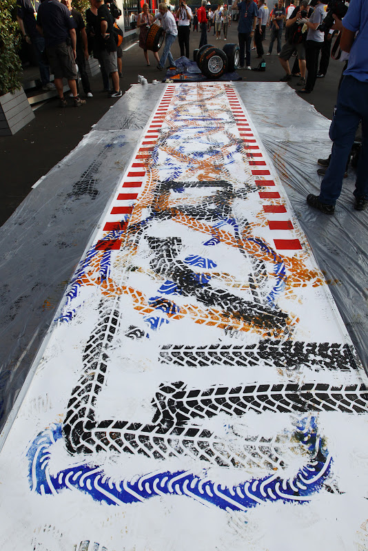 картина Pirelli на Гран-при Италии 2011 в Монце