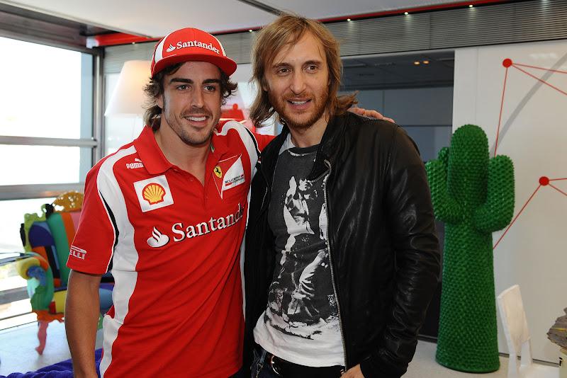 Фернандо Алонсо и Давид Гетта в на Гран-при Европы 2011