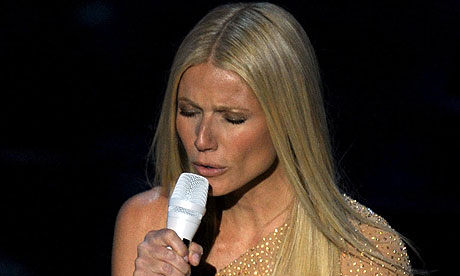 Gwyneth Paltrow Singing