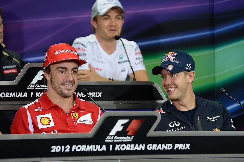 Фернандо Алонсо и Себастьян Феттель на пресс-конференции в четверг на Гран-при Кореи 2012