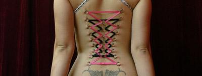 Modificação corporal - Espartilho de piercing (Corset Piercing)