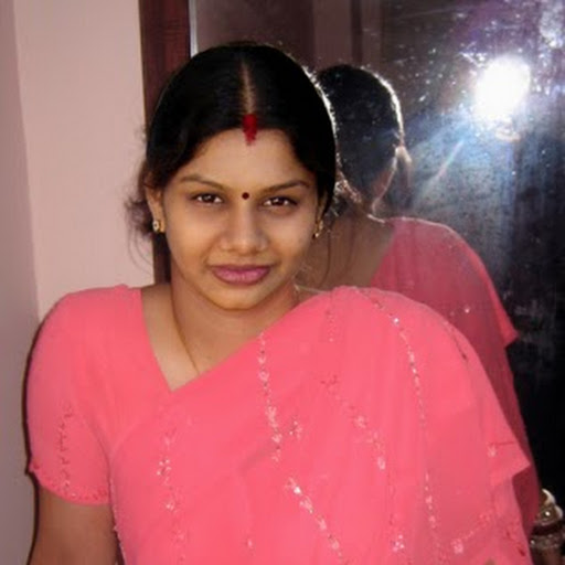Desi Anti and Girls http://4urdesi.blogspot.com/2012/03/naked-and-erotic-desi-aunty-and-girls.html