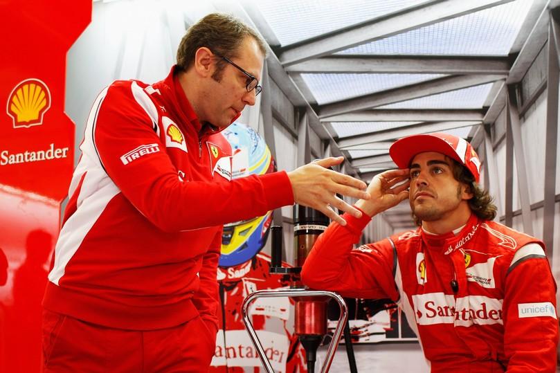 Стефано Доменикали и Фернандо Алонсо в боках на Гран-при Великобритании 2011