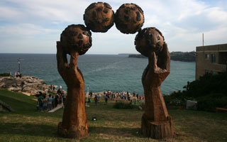 Juggling, Sculpture by the Sea