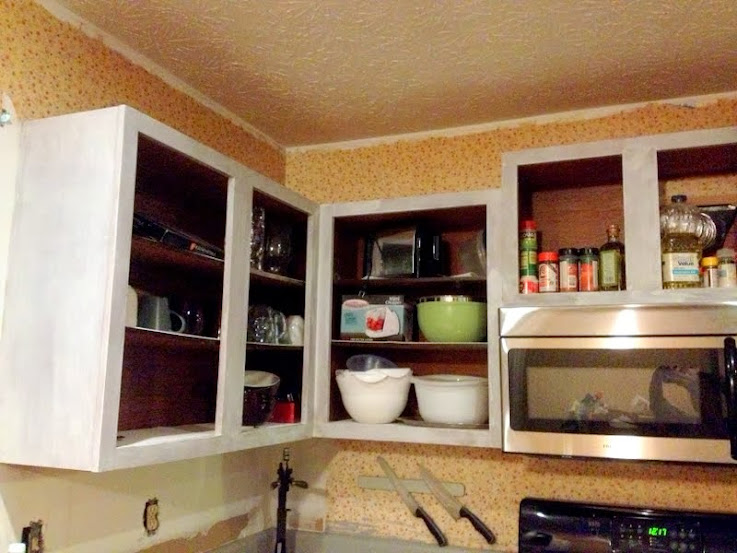 How to prime your kitchen cabinets in less than an hour for Kitchen cabinets 4 less