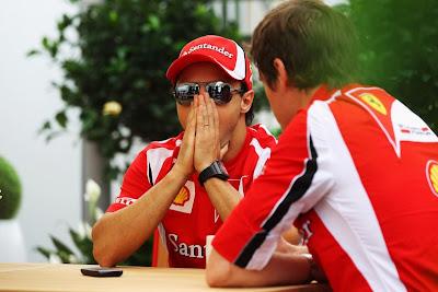Фелипе Масса со своим гоночным инженером Робом Смедли на Гран-при Канады 2011