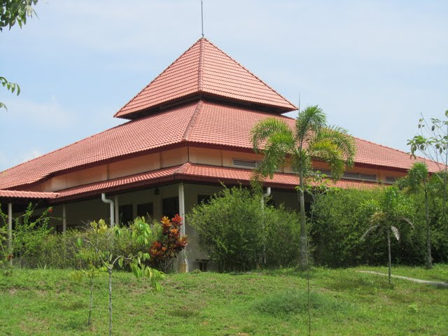 Dhamma Hall, Vipassana course, Gambang