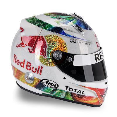 шлем Себастьяна Феттеля для Гран-при Сингапура 2011 - вид сбоку