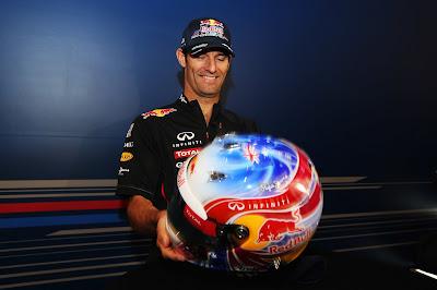 Марк Уэббер со специальным дизайном шлема на Гран-при Сингапура 2012