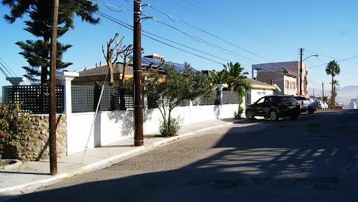 RinoRisk Seguros Suc. Cacho, Calle #5, Laredo, Colonia Madero Sur, Madero Sur, 22046 Tijuana, B.C., México, Compañía de seguros | BC