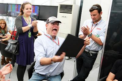 Джо Савард с очень удивленным лицом на Гран-при Японии 2011