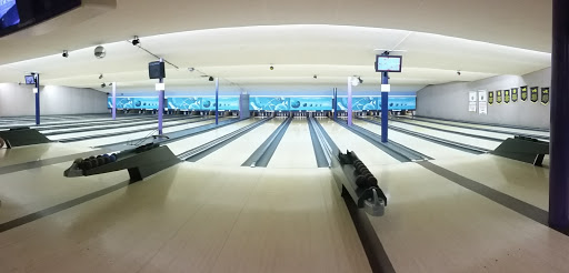 Dell Lanes, 10576 King George Blvd, Surrey, BC V3T 2X3, Canada, Bowling Alley, state British Columbia