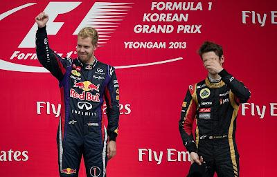 Ромэн Грожан фэйспалмит на победном подиуме Себастьяна Феттеля на Гран-при Кореи 2013
