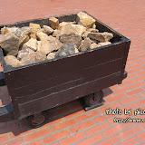 一車一車的礦石。
