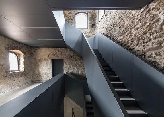 Torre-del-Borgo-Gianluca-Gelmini_dezeen_784_1.jpg