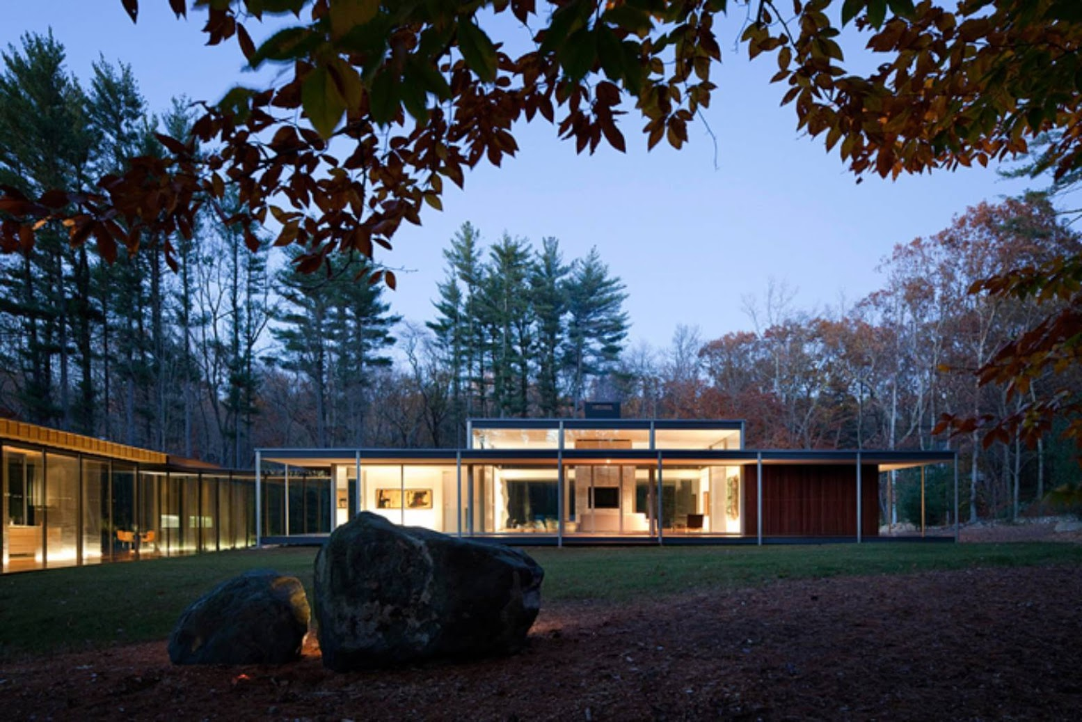 New Canaan, Connecticut, Stati Uniti: [GLASS/WOOD HOUSE BY KENGO KUMA]