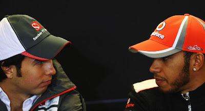 Серхио Перес и Льюис Хэмилтон на пресс-конференции в четверг на Гран-при США 2012