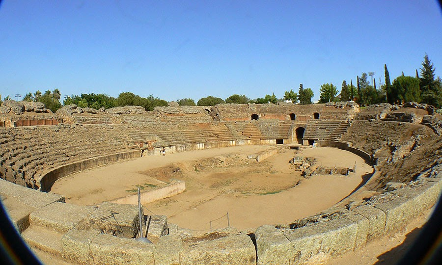 Southern Europe: Roman amphitheatre to be used as tennis court