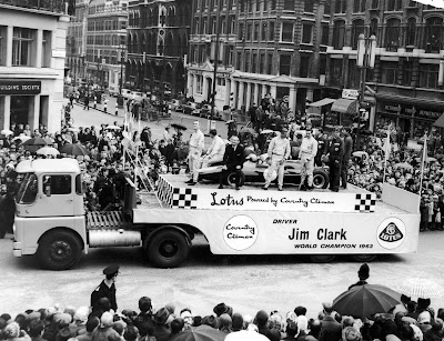 Team Lotus на параде Lord Mayor 1964 года