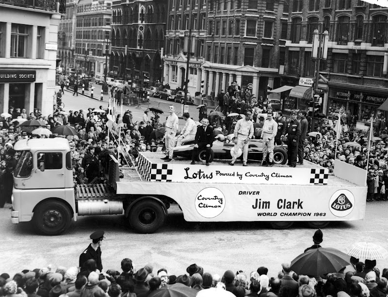 Team Lotus на параде Lord Mayor 1964 года
