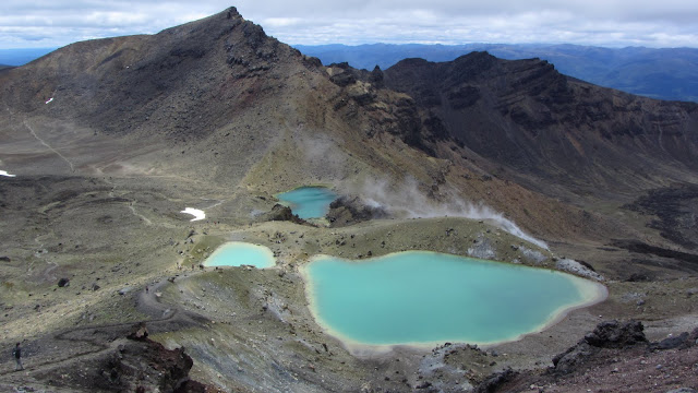 The magnificent Emerald Lakes. Active vents can be seen to the right.