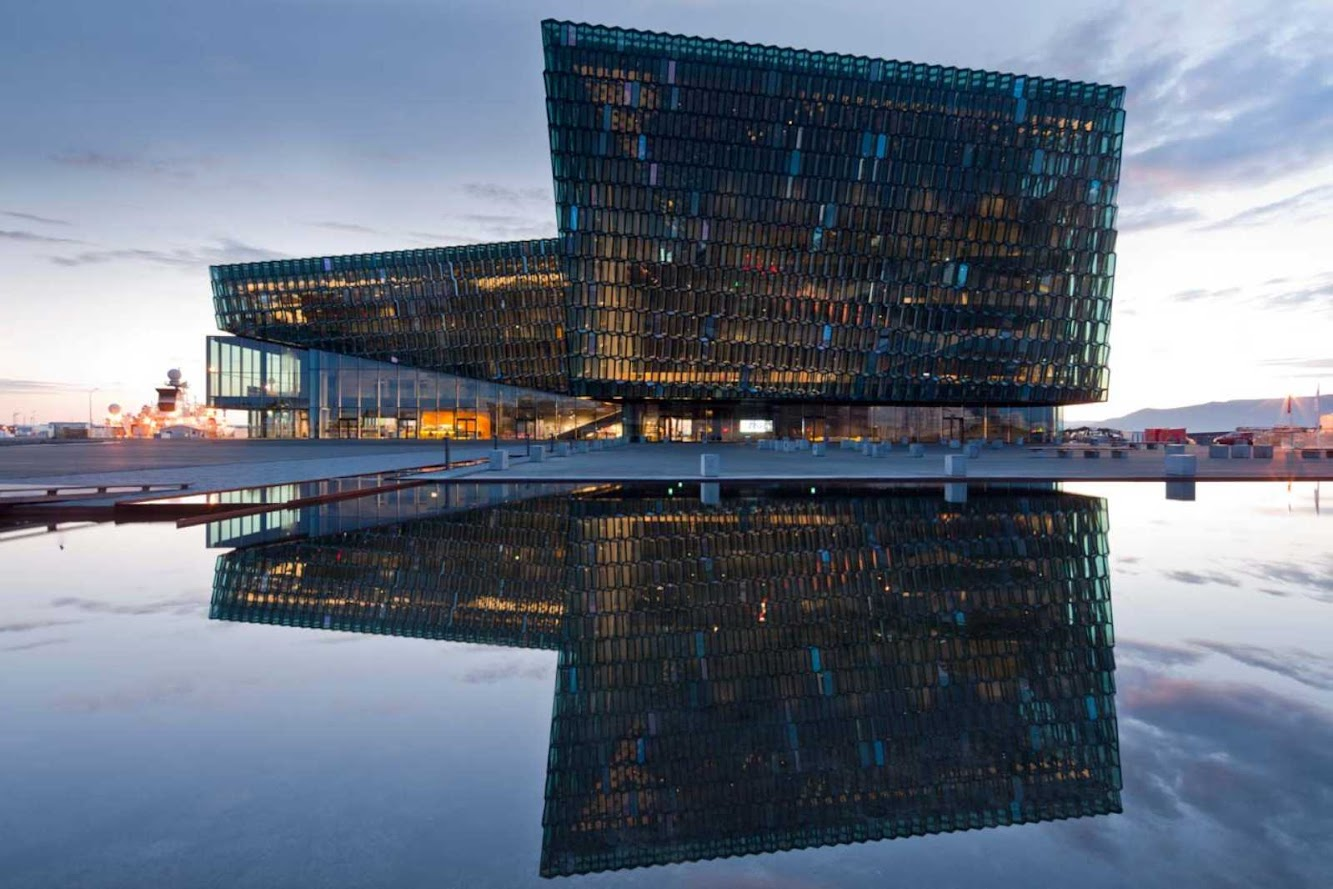 Reykjavík, Islanda: Harpa Concert Hall And Conference Centre by Henning Larsen