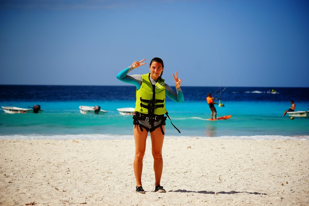kitesurf girl in Bonaire